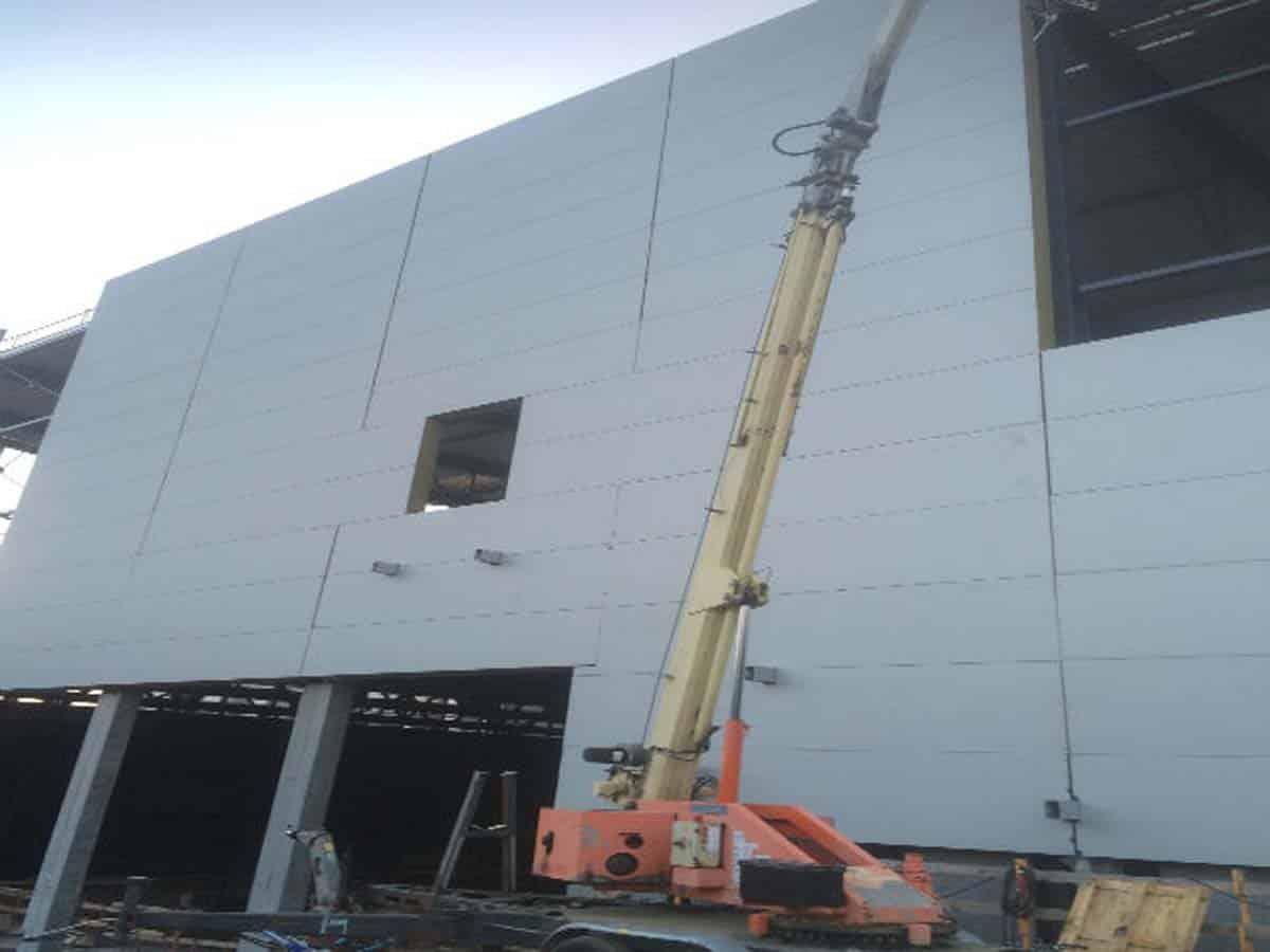 Lift med facademontør